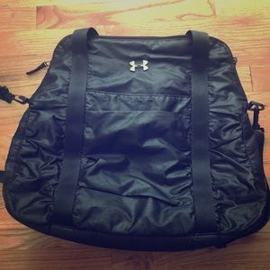 Under armour ladies gym bag   army green. M 56f34431291a35ad3d006d57. Other  Bags you may like. Under armour black gym bag be0d3c9d7b